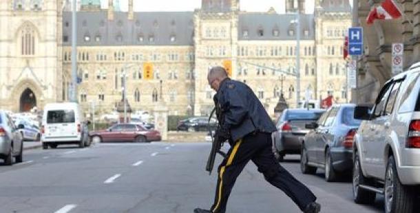 Parlamentoda silahlı saldırı