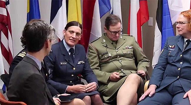 250 bin ABD Askeri Cinsiyet Değiştirmek isteyince...