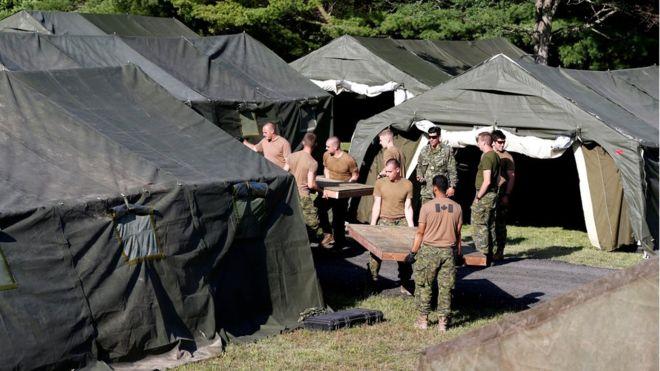 ABD'den geçen sığınmacılar için kamp kuruyorlar