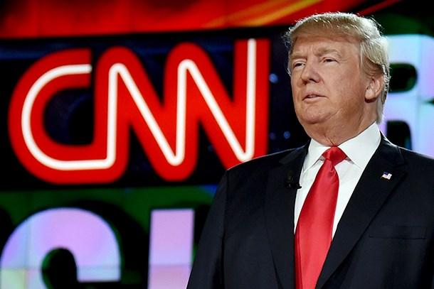 Donald Trump CNN muhabirini azarladı!