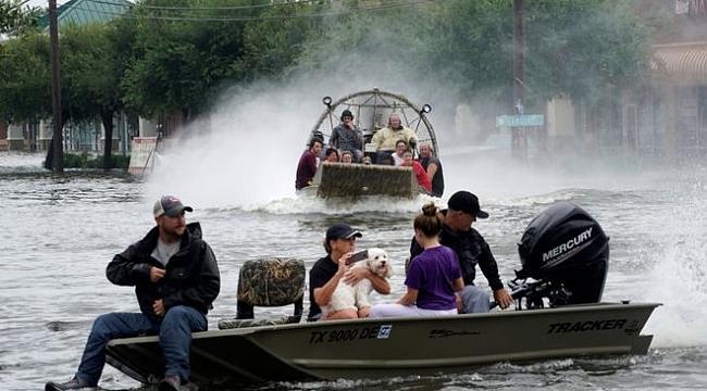 Houston'da Evlerinizi Terk edin uyarısı