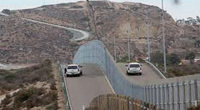 Trump Meksika Sınırına Duvarda Israrlı
