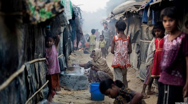 '60 Bin Arakanlı Müslüman Bangladeş'e Sığındı'