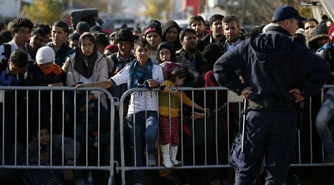 Başsavcı Trump'ın göçmenleri koruyan yasayı iptal etti