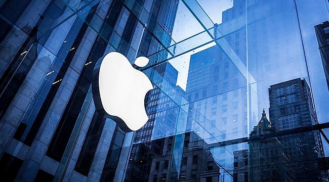 Apple'ın değeri 900 milyar doları geçti