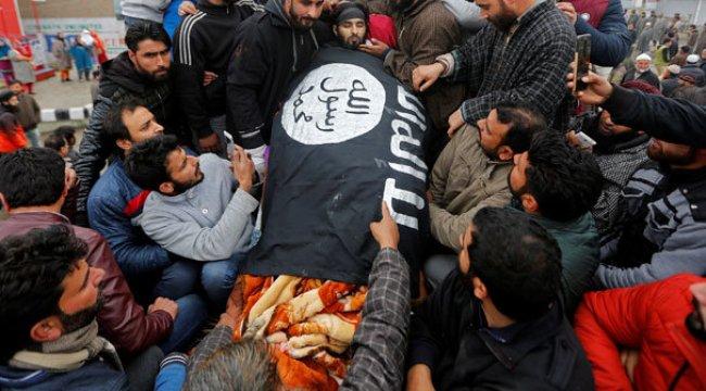 Cenazede IŞİD bayrağı!