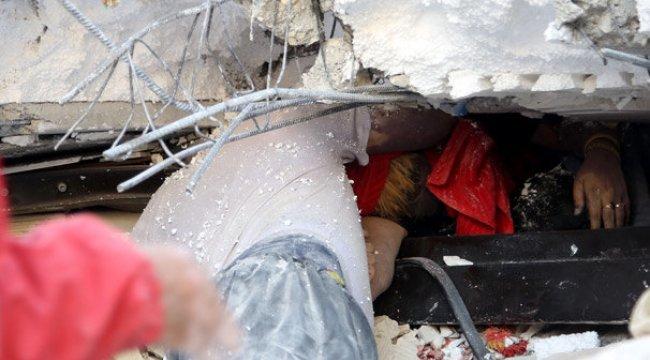 Depremin ağır bilançosu! Binlerce insan evlerine giremedi