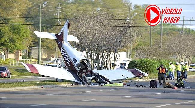 Florida'da Bir Uçak Karayoluna Düştü