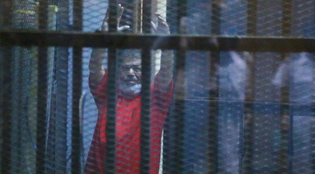 Mursi: Gıyaben yargılanır gibiyim
