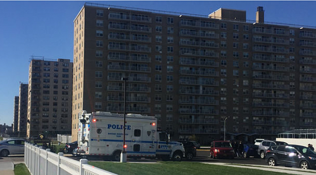 Police Shoot Knife-Wielding Man After He Stabs Sister in Rockaways: NYPD