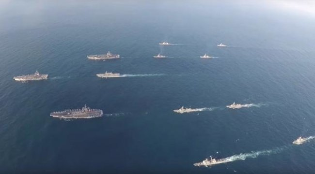 Sosyal medyadan paylaştılar! ABD uçak gemileri Kore Yarımadası'nda...