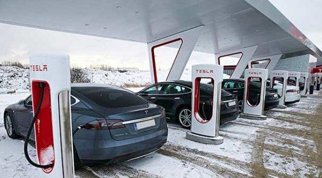 Tesla, Avrupa'daki en büyük şarj istasyonunu kuruyor