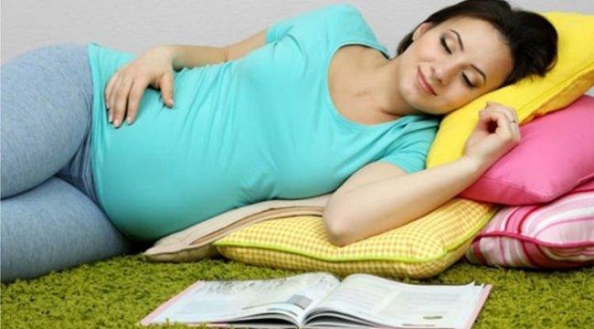 Yaz sıcaklarında hamileler için uyku tüyoları