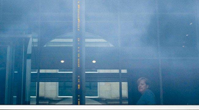 Almanya'da büyük koalisyon için nabız yoklanacak