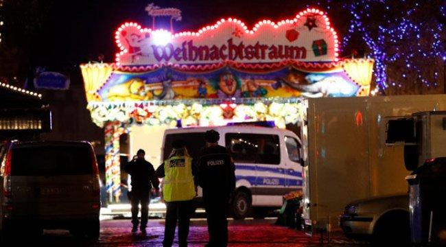 Almanya'da Noel pazarına şüpheli paket yollayan kişi aranıyor
