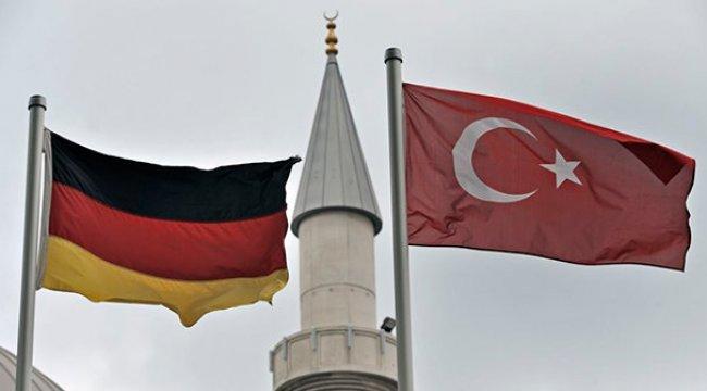 Almanya'daki imamlara casusluk davasına takipsizlik!