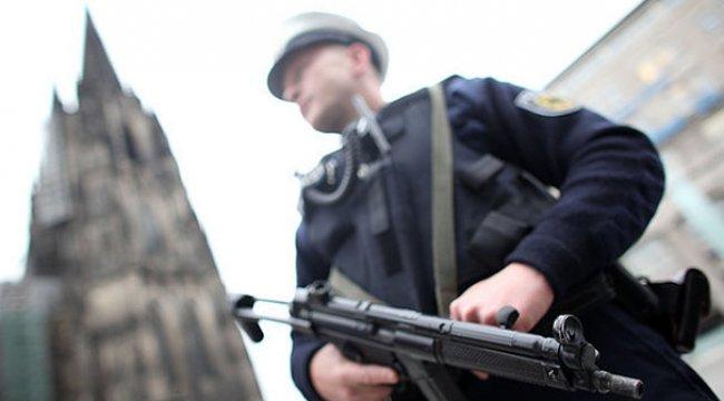 Almanya'daki yılbaşında kadınlar için 'güvenli alan'