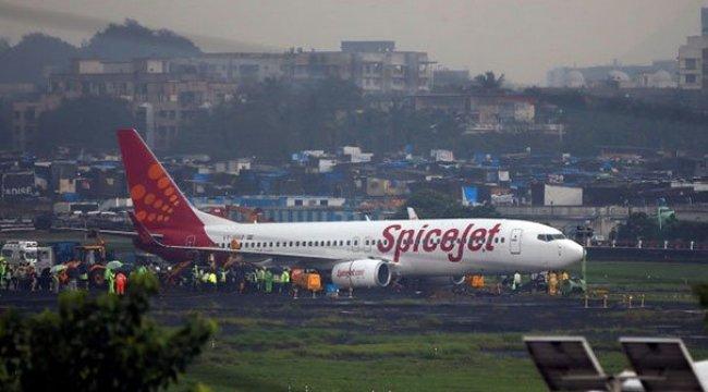 Hindistan'da diş protezi boğazına kaçan yolcu uçakta öldü