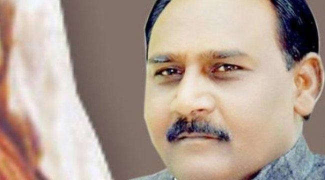 Hindistan'ın Mutluluk Bakanı cinayetten aranıyor!