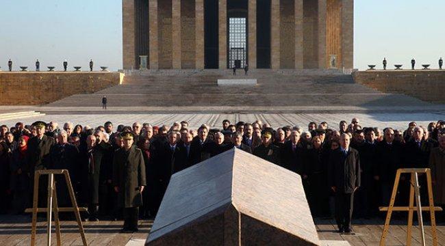 İkinci Cumhurbaşkanı İnönü mezarı başında anıldı