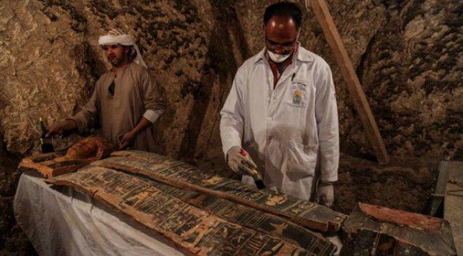 Mısır'da iki antik kral mezarı keşfedildi