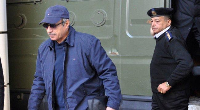 Mübarek'in son İçişleri Bakanı tutuklandı