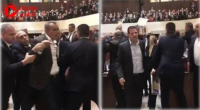 13 Arap Vekil Mike Pence Protesto Etti