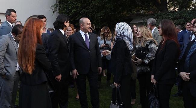 Çavuşoğlu Los Angeles'ta Türklerle Biraraya Geldi