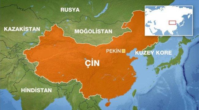 Çin'de minibüs denize düştü