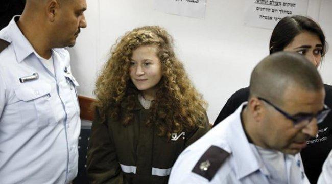 Filistinli Ahed Tamimi'nin gözaltı süresi uzatıldı