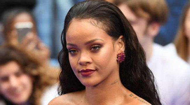 Rihanna, Cannes'da villa aldı