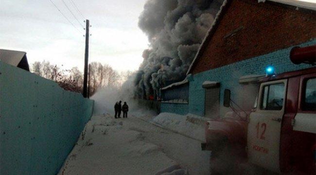 Rusya'da ayakkabı fabrikasında yangın: 10 ölü