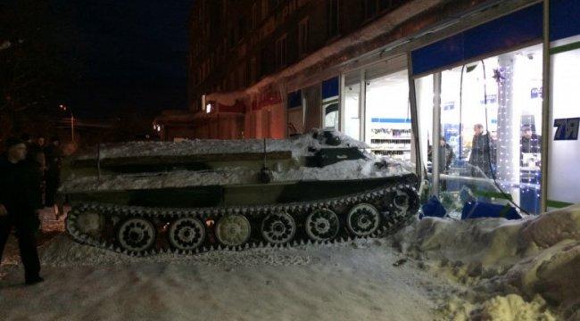 Rusya'da tankla şarap soygunu