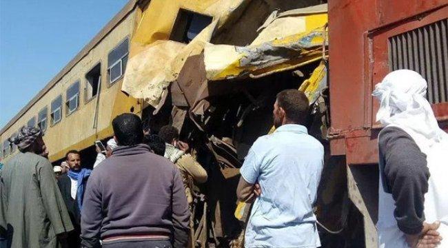 Mısır'da trenler çarpıştı!