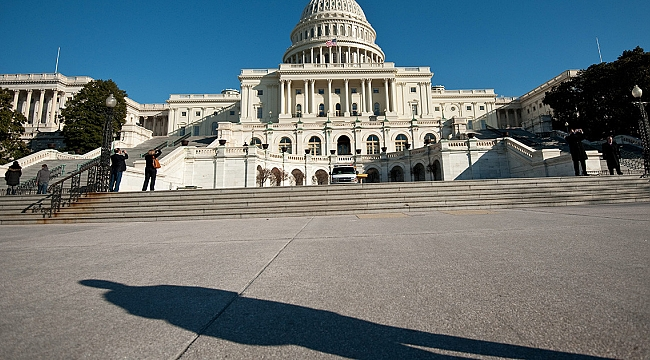 ABD'liler Ülkenin Dış Güçlerin Yönettiğine İnanıyor