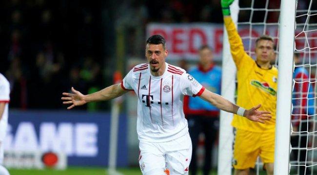 Bayern Münih, Çağlar'lı Freiburg'u farklı yendi