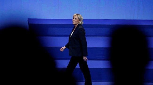 Fransa'da aşırı sağcı Le Pen Yeniden Başkan Seçildi