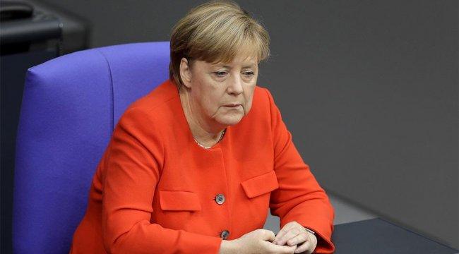 Merkel'den Türkiye-AB ilişkileri açıklaması