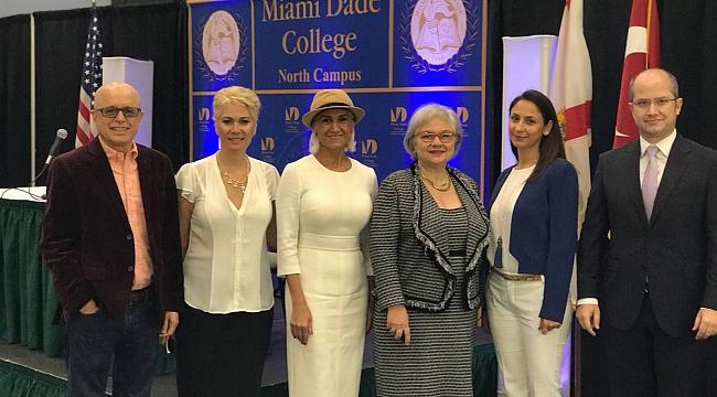 Miami Dade Üniversitesi Kadınlar günü Konferansı