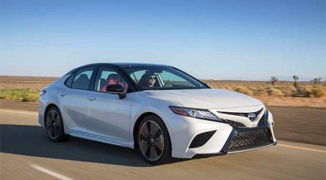 Toyota, 700.000 aracı geri çağırıyor