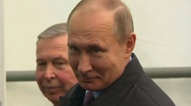 Putin'in gülüşü İngilizleri çıldırttı! 'Zehir'li atışma...