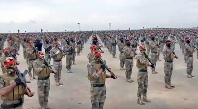 Şok fotoğraflar! Tekmili birden terör ordusu...