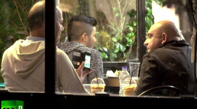 Suriyeli gencin Avrupalı erkeklerle iğrenç pazarlığı