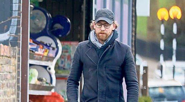 Tom Hiddleston Tanınmaz halde!