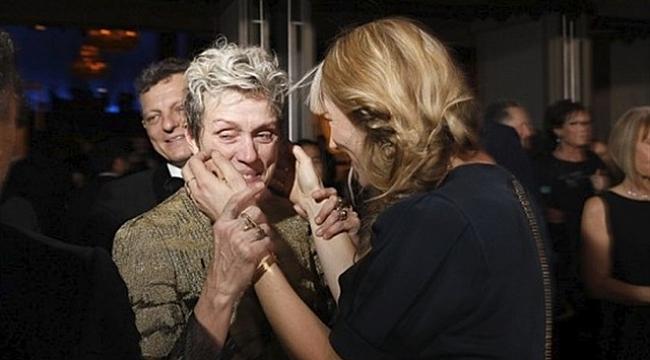 Ünlü oyuncunun Oscar ödülü çalındı