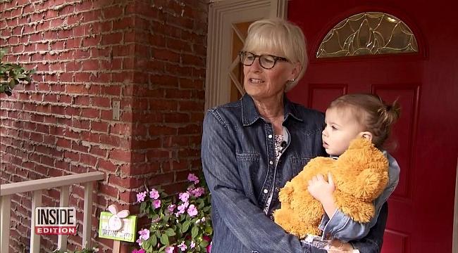 Büyükanne Ayıyı Görünce Torununa Sarıldı