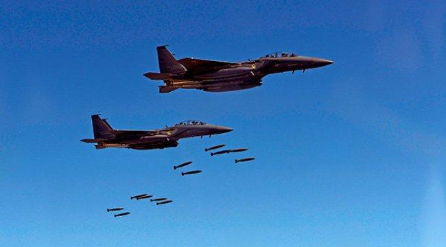 Güney Kore savaş jeti dağa çarptı!