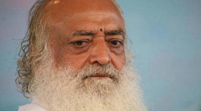 Hintli guru tecavüzden yargılanıyor