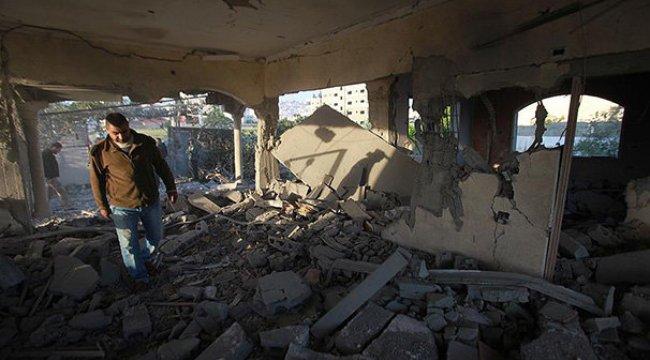 İsrail askerleri Filistinli tutuklunun evini yıktı