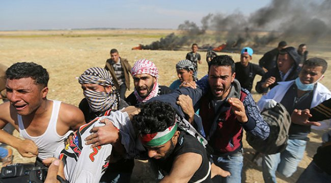 İsrail askerleri Gazze'de bir Filistinliyi başından yaraladı